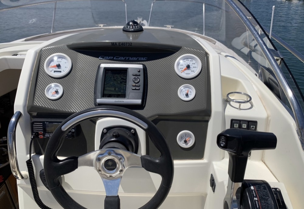 Boat rental Sainte-Maxime cheap Cap Camarat 7.5 WA