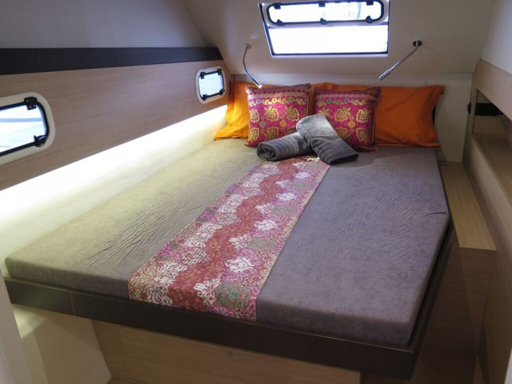 Rental Catamaran in Saint Martin (France) - Catana Bali 4.3