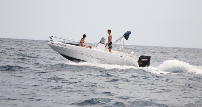 Boat rental Aquabat Sport Line 19 in Blanes on Samboat