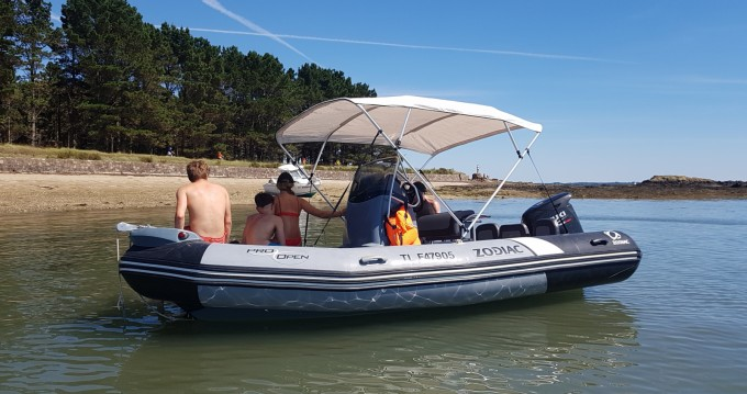 Hire RIB with or without skipper Zodiac Larmor-Plage