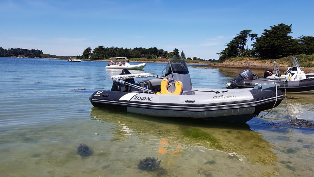 Rental RIB in Larmor-Plage - Zodiac Pro Open 550 Raid Edition