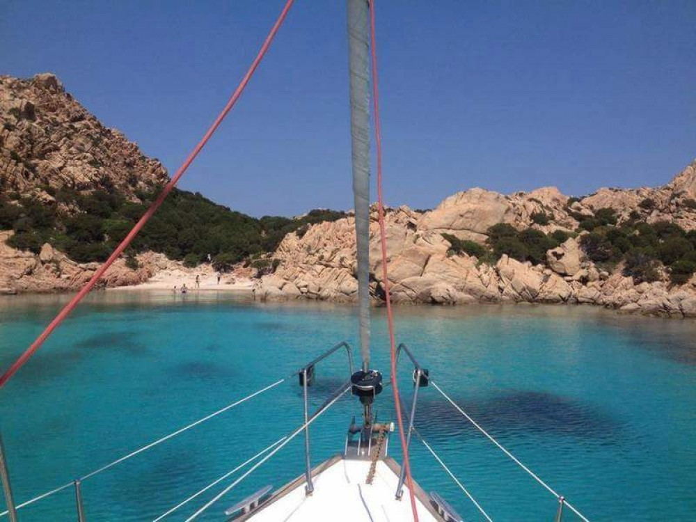 Hire Sailboat with or without skipper Bénéteau La Maddalena