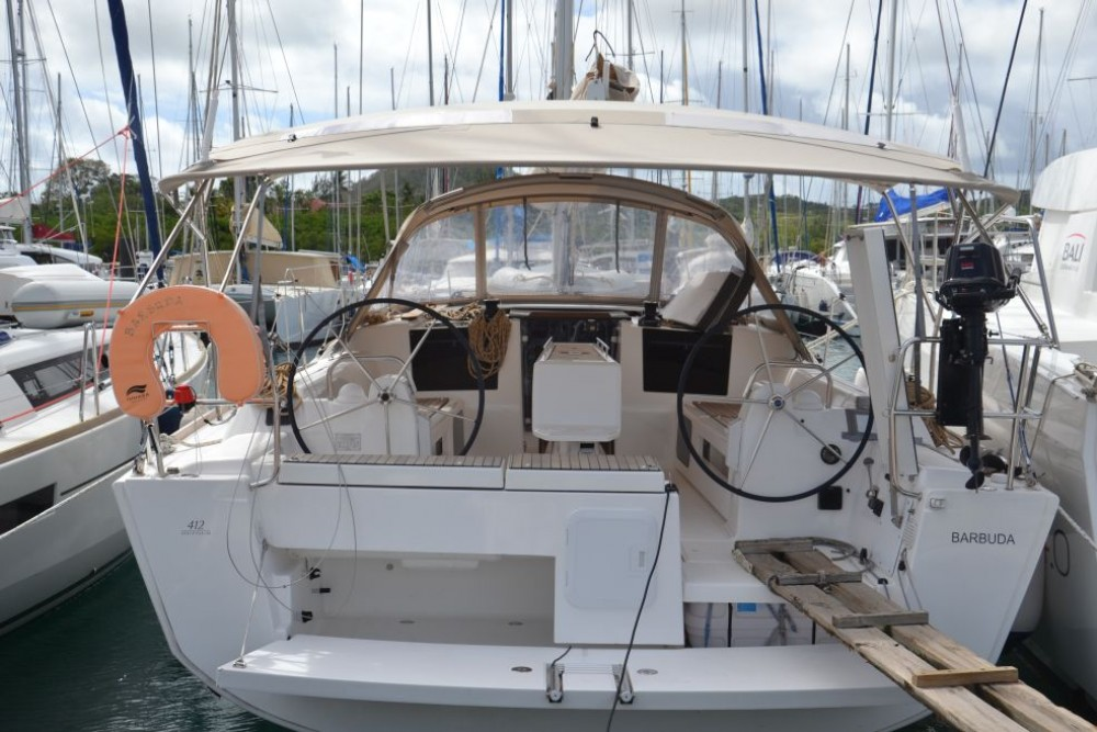 Dufour Dufour 412 between personal and professional Le Marin