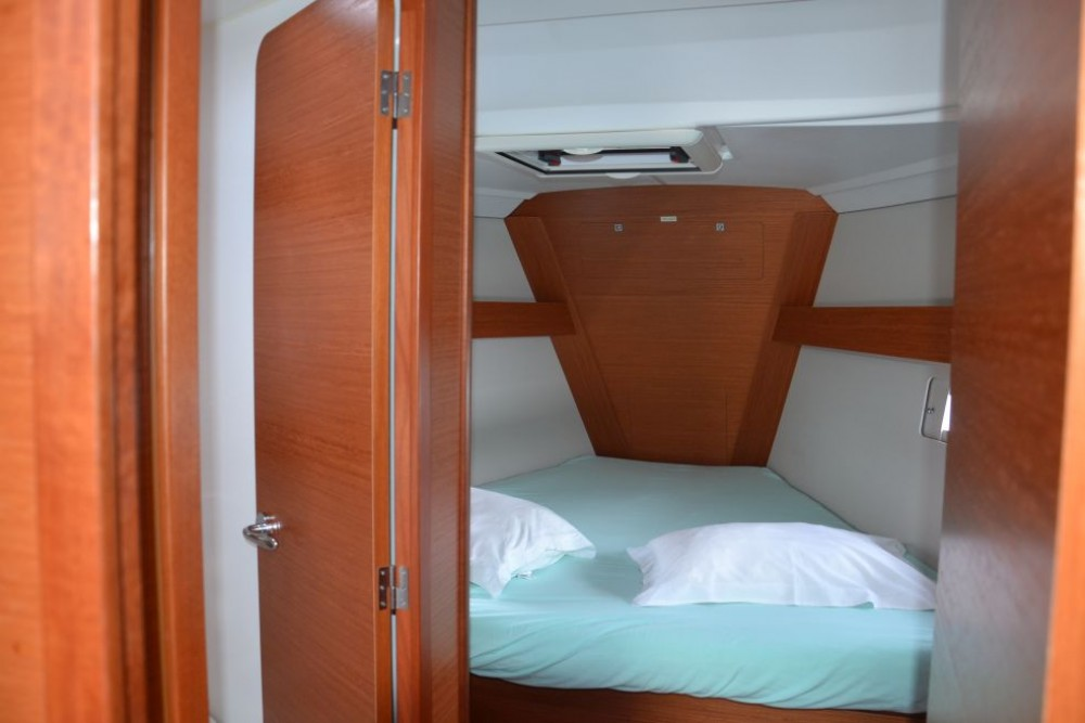 Boat rental Dufour Dufour 412 in Le Marin on Samboat