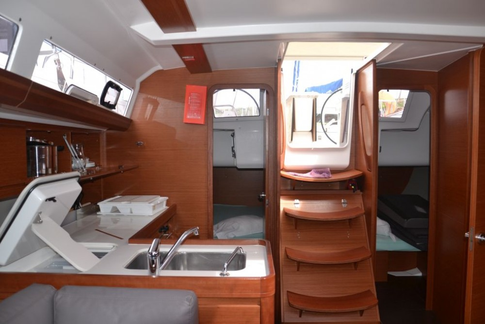 Rental yacht Le Marin - Dufour Dufour 412 on SamBoat