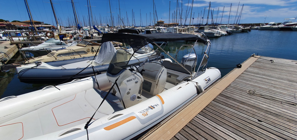 Rental yacht La Londe-les-Maures - Bwa Reef 720 on SamBoat
