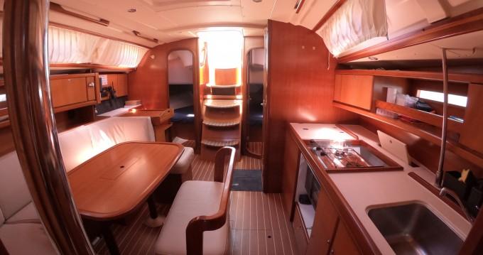 Rental Sailboat in Baiona - Dufour Dufour 385 Grand Large