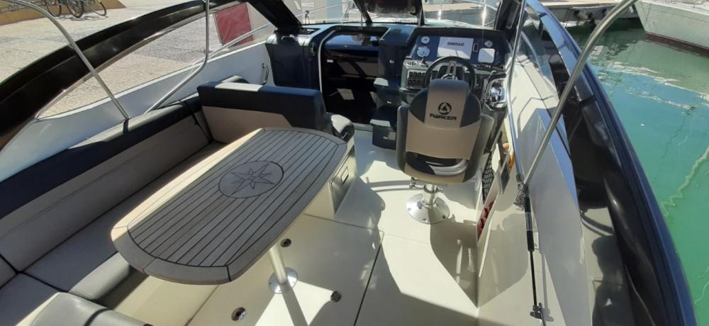 Boat rental Fréjus cheap Parker 750