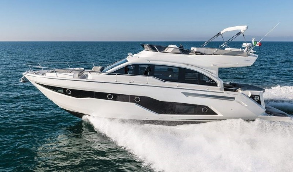 Boat rental Cranchi Cranchi E 52 F Evoluzione in Ionian Islands on Samboat