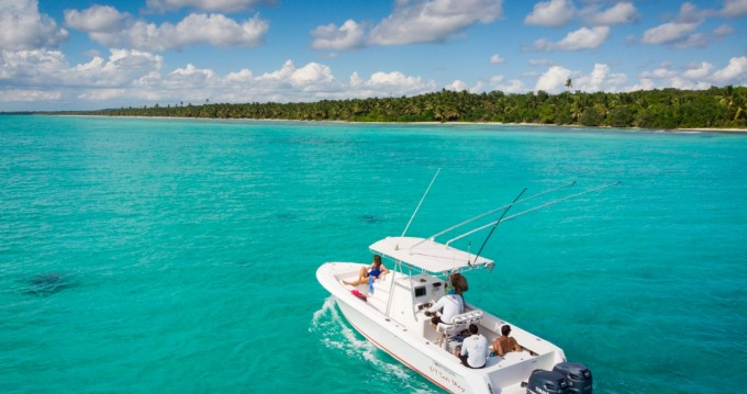Boat rental contender 28 center console 28 in Bayahibe on Samboat