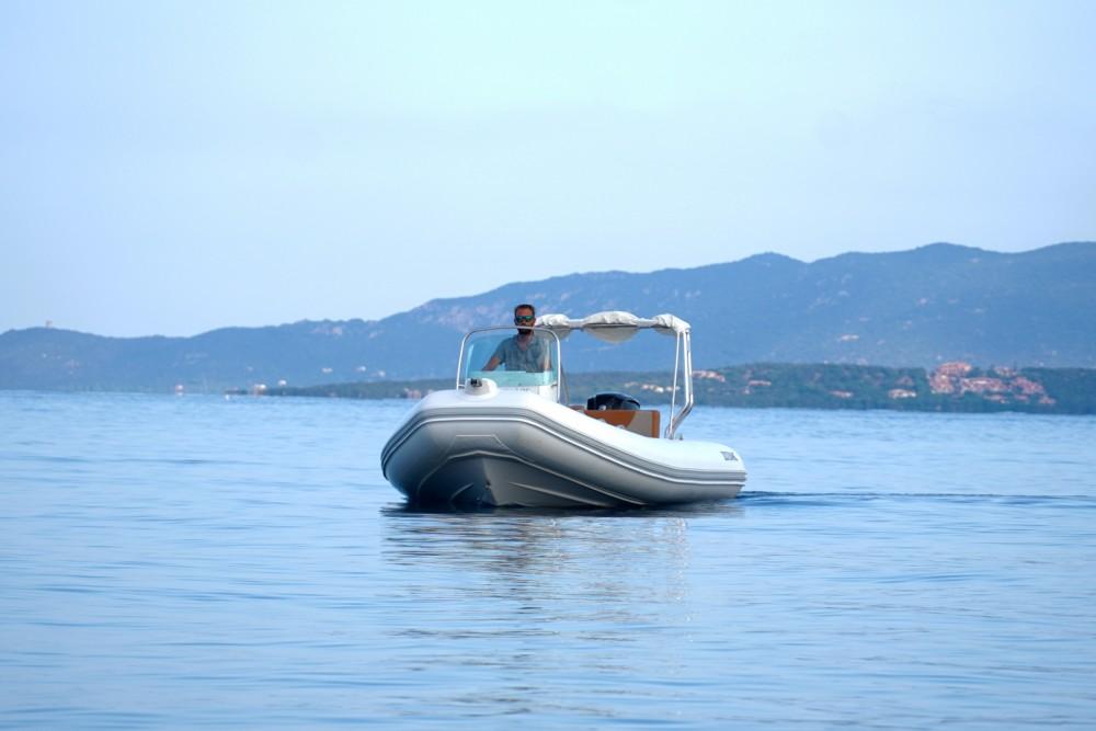Boat rental Zodiac Medline 580 in Propriano on Samboat