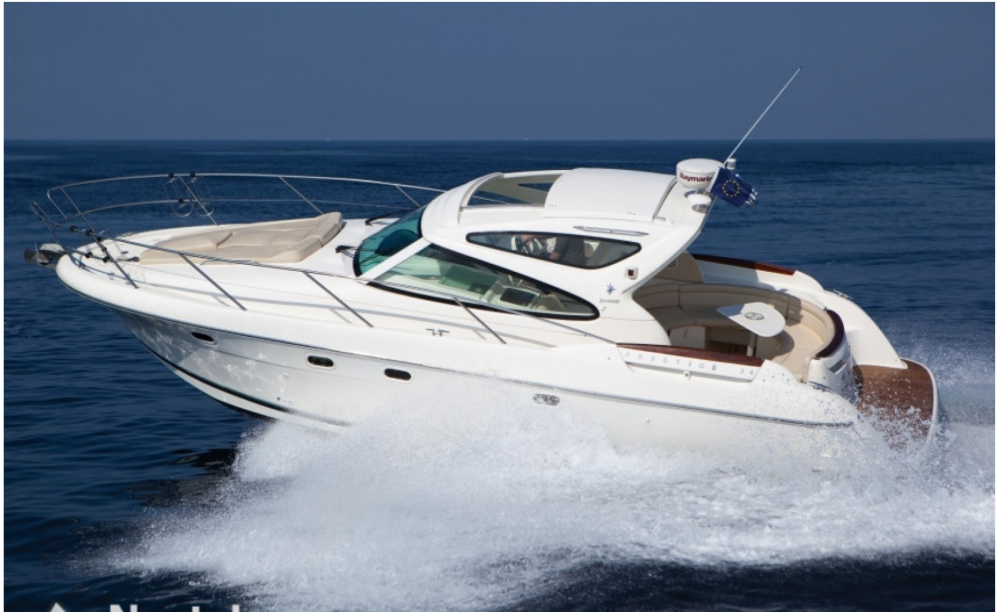 Jeanneau Prestige 34 S between personal and professional Cannes