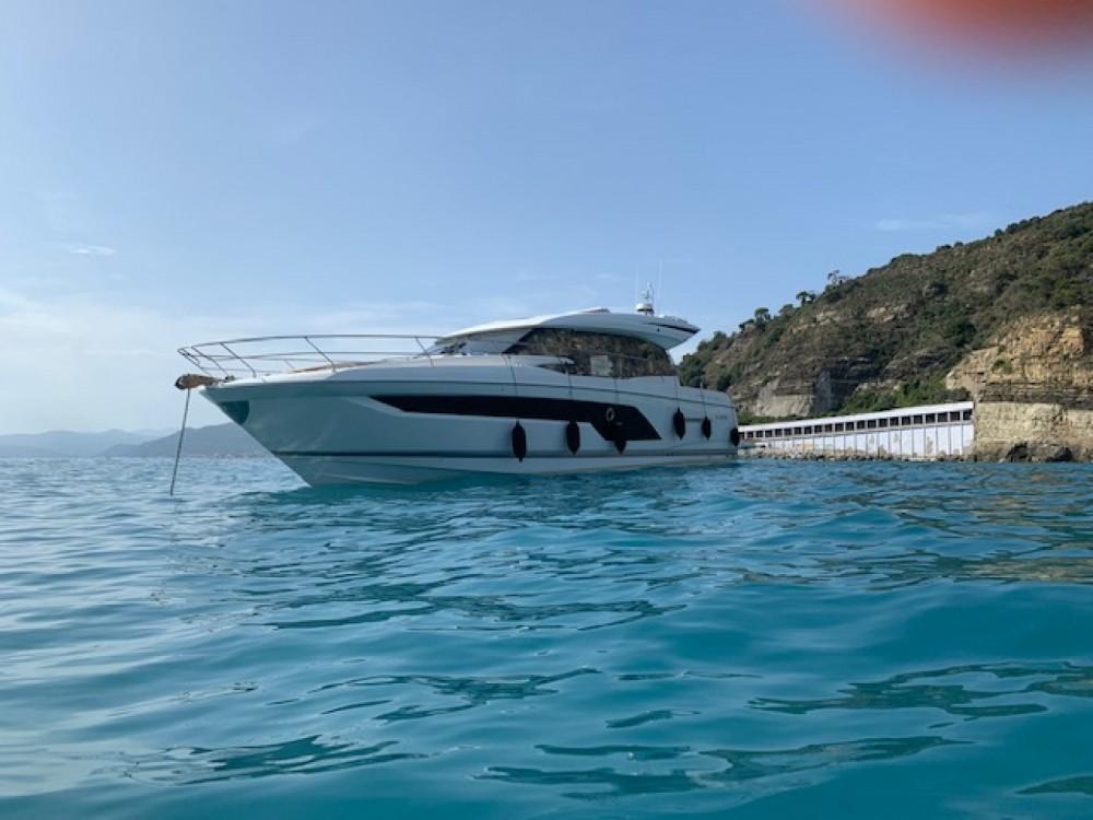 Rental yacht Grimaud - Prestige 590 s line on SamBoat