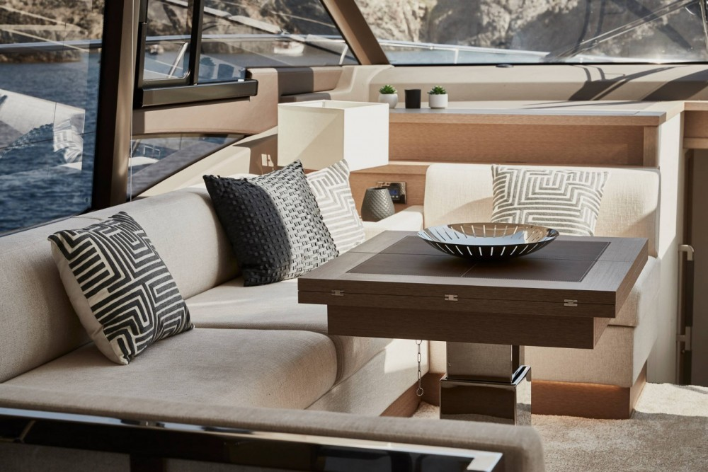 Hire Yacht with or without skipper Prestige Grimaud