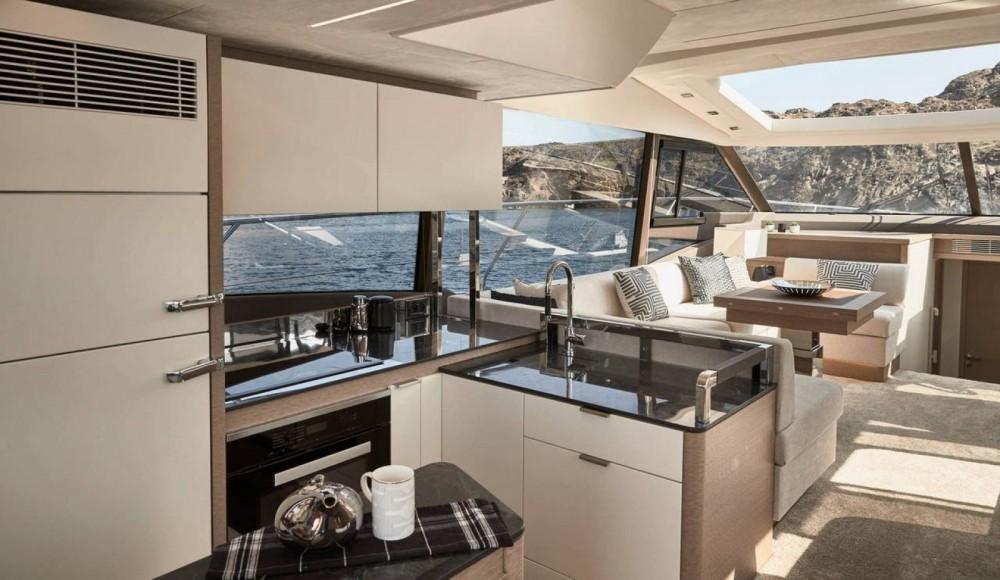 Rental Yacht Prestige with a permit