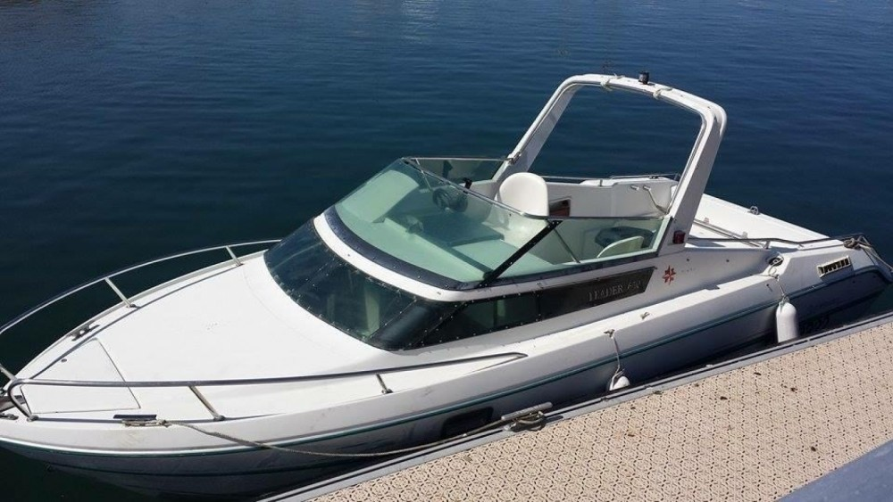 Boat rental Jeanneau Leader 650 Performance in Andernos-les-Bains on Samboat