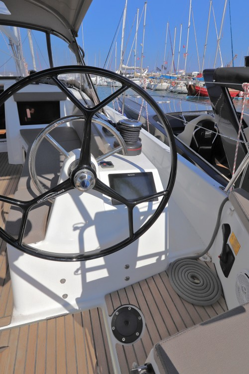 Jeanneau Sun Odyssey 410 - 3 cab. between personal and professional Peloponnese