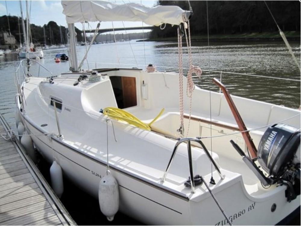 Rental yacht La Trinité-sur-Mer - Jeanneau Sun 2500 on SamBoat