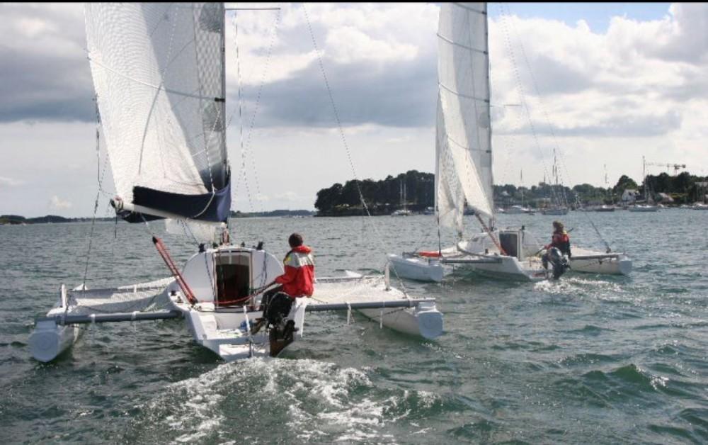 Hire Sailboat with or without skipper Tricat La Trinité-sur-Mer