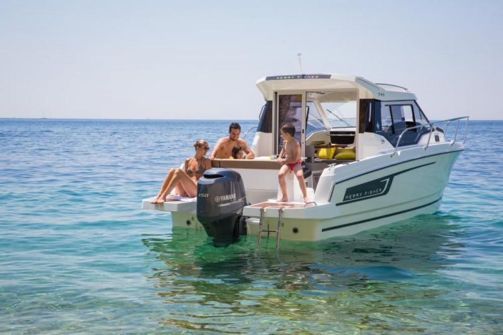 Rental Motorboat in Le Barcarès - Jeanneau Merry Fisher 795
