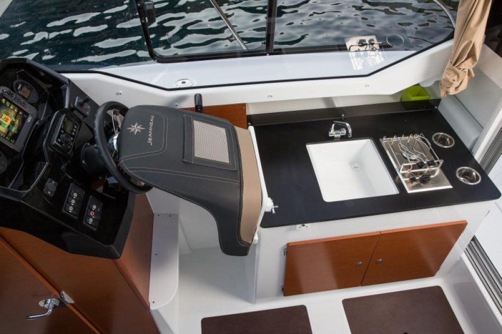 Boat rental Le Barcarès cheap Merry Fisher 795