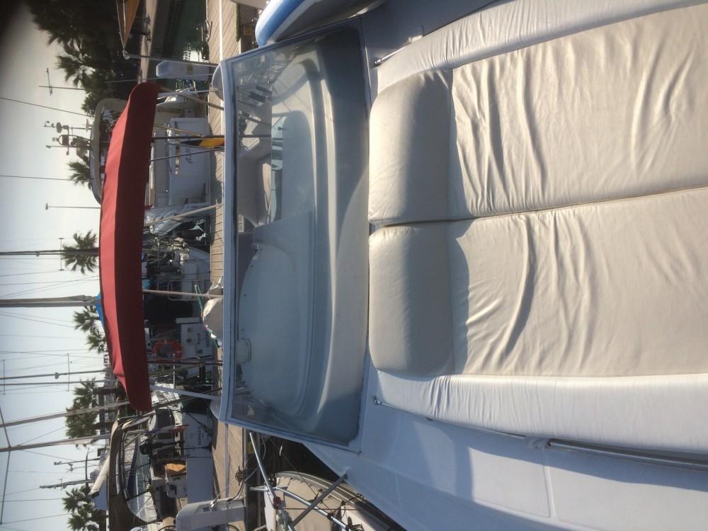 Rental Motorboat in Saint-Laurent-du-Var - Bénéteau Flyer 920