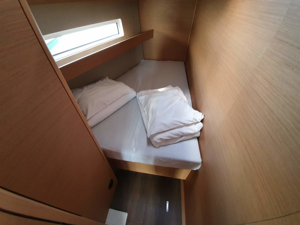 Boat rental Jeanneau Sun Odyssey 440 in Croatia on Samboat