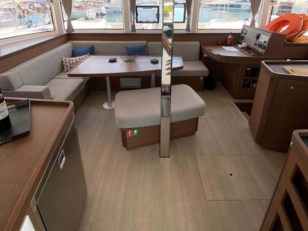 Boat rental Kontokali cheap Lagoon 42