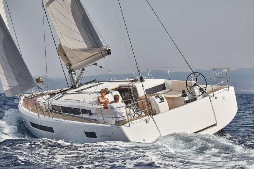 Rental Sailboat in Laurium - Jeanneau Sun Odyssey 490