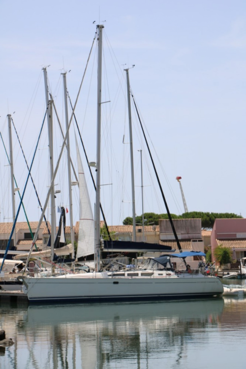 Boat rental Port-Saint-Louis-du-Rhône cheap Sun Odyssey 43