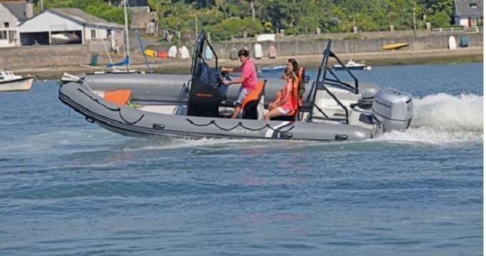 Rent a Highfield Patrol 600 La Trinité-sur-Mer