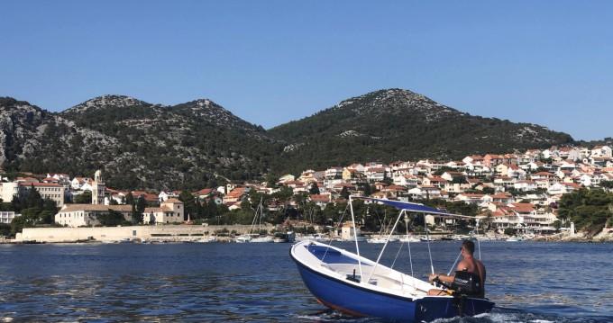 Motorboat for rent Hvar at the best price
