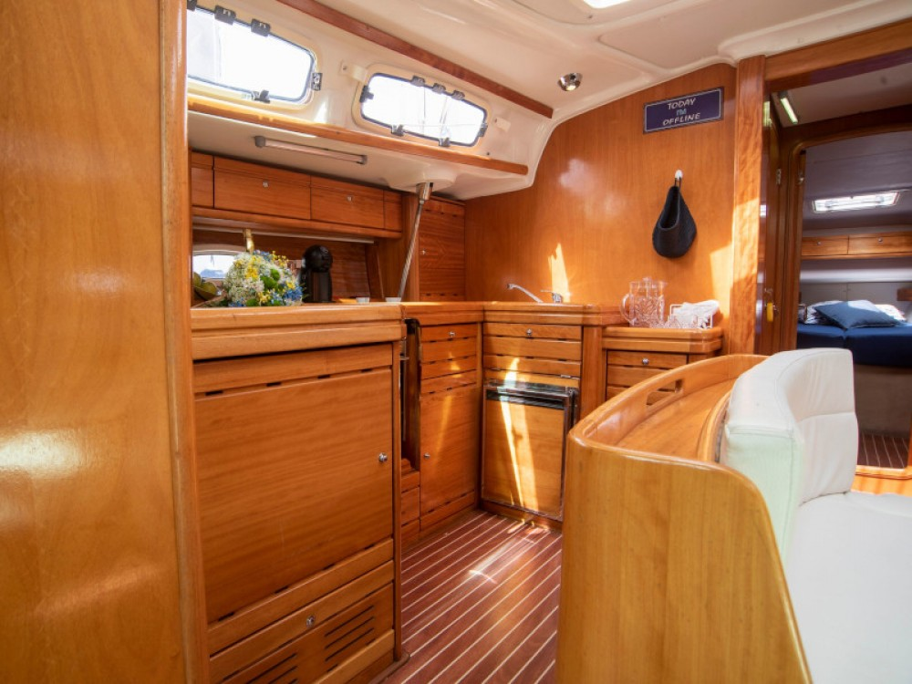 Hire Sailboat with or without skipper Bavaria Portimão