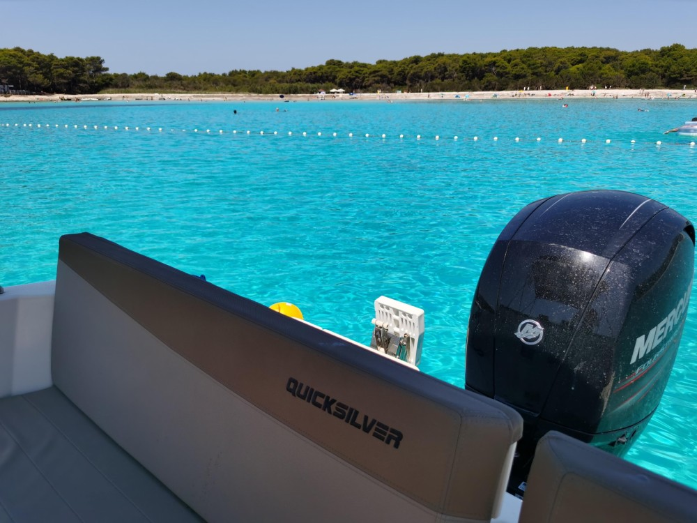 Motorboat for rent Grad Zadar at the best price