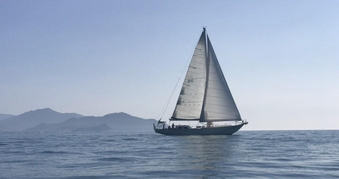 Rental Sailboat in Alghero - Columbia 50
