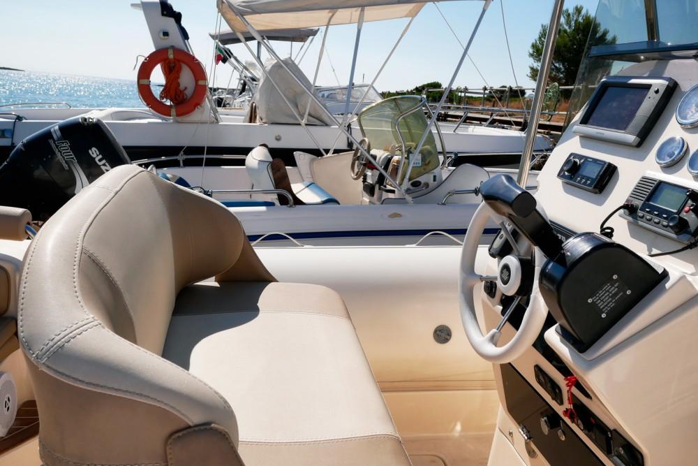 Boat rental Syracuse cheap Twentythree XL