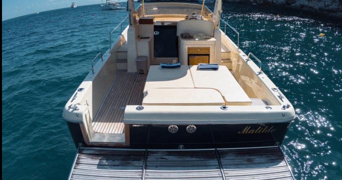 Rental Motorboat in Piano di Sorrento - Fratelli Aprea Sorrento 32 walk around