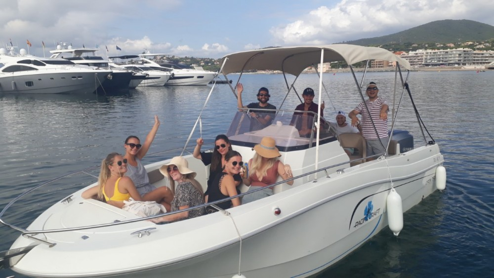 Rental Motorboat in Sainte-Maxime - Pacific Craft Pacific Craft 750 Open
