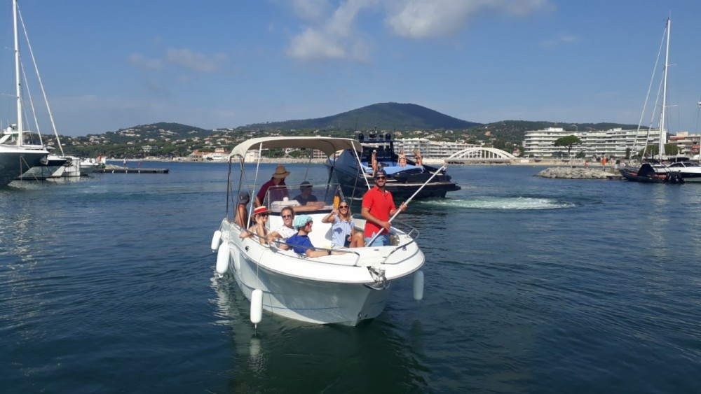 Rent a Pacific Craft Pacific Craft 750 Open Sainte-Maxime