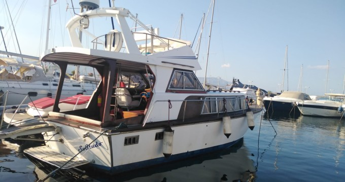 Hire Motorboat with or without skipper Holgawerft  Riposto