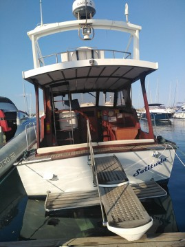 Motorboat for rent Riposto at the best price