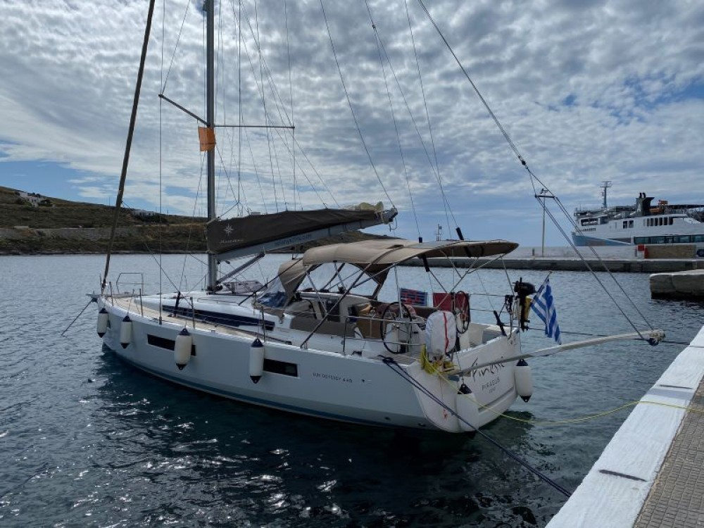 Jeanneau Sun Odyssey 440 between personal and professional Álimos
