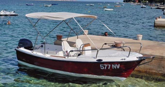 Motorboat for rent Stara Novalja at the best price