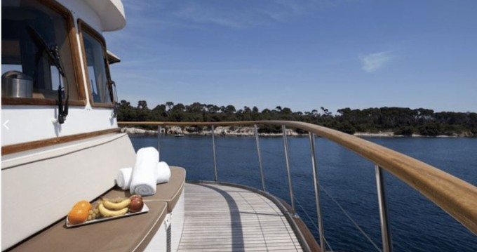 Hire Yacht with or without skipper CNE Marseille