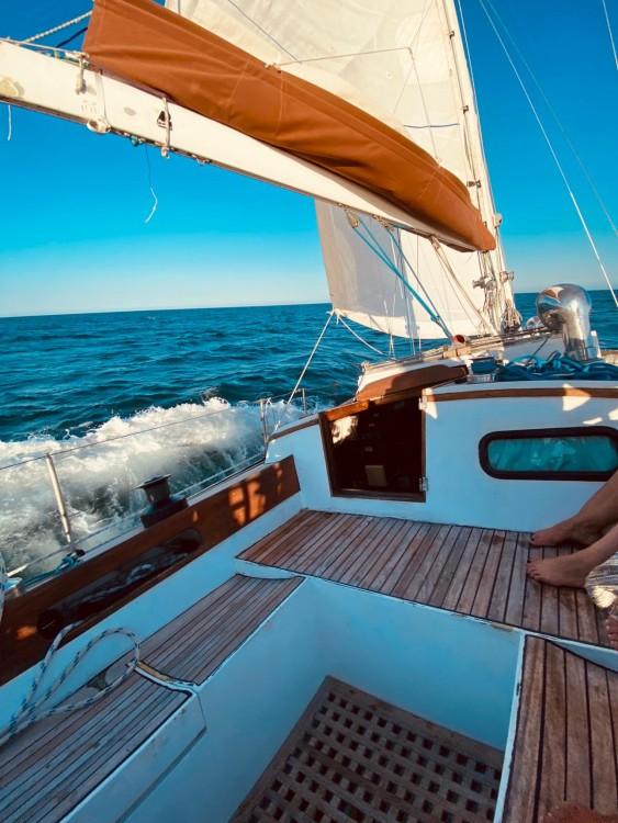 Sailboat for rent el Masnou at the best price