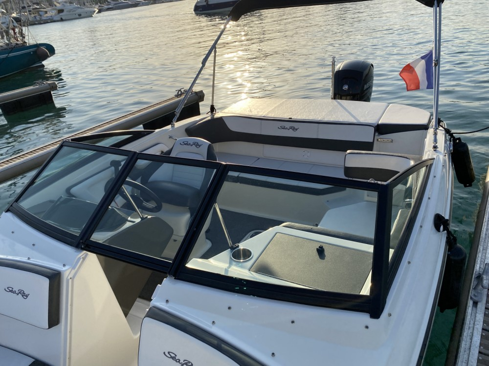 Hire Motorboat with or without skipper Sea Ray Antibes