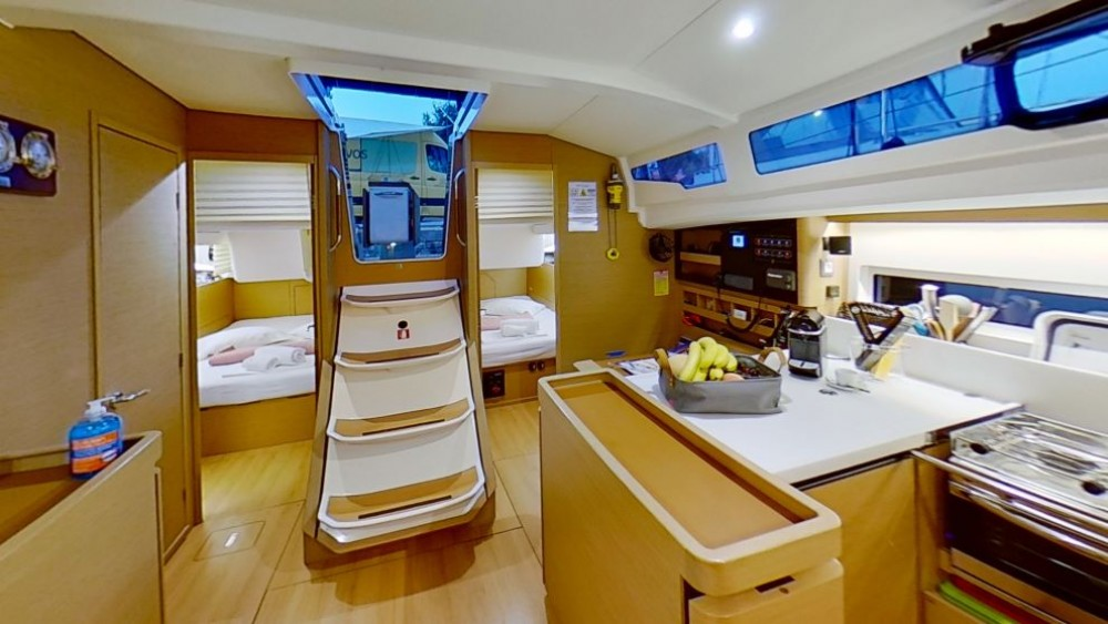 Rental yacht Álimos - Jeanneau Sun Odyssey 440 on SamBoat