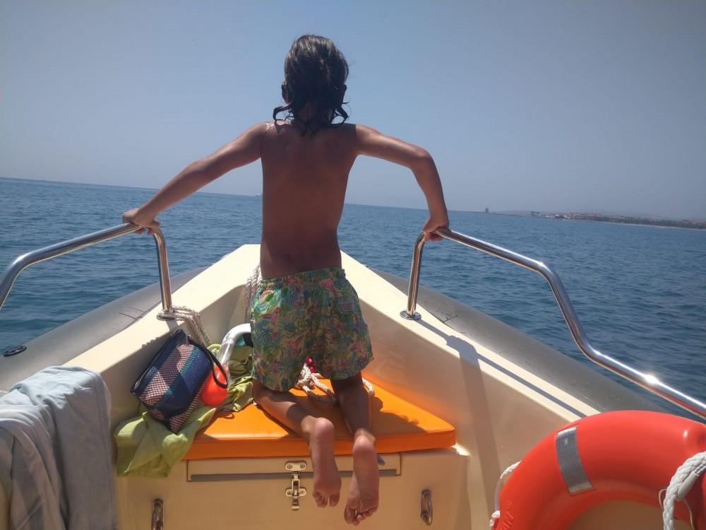 Rental Motorboat in San Roque - Cobra Hybrid 5,80
