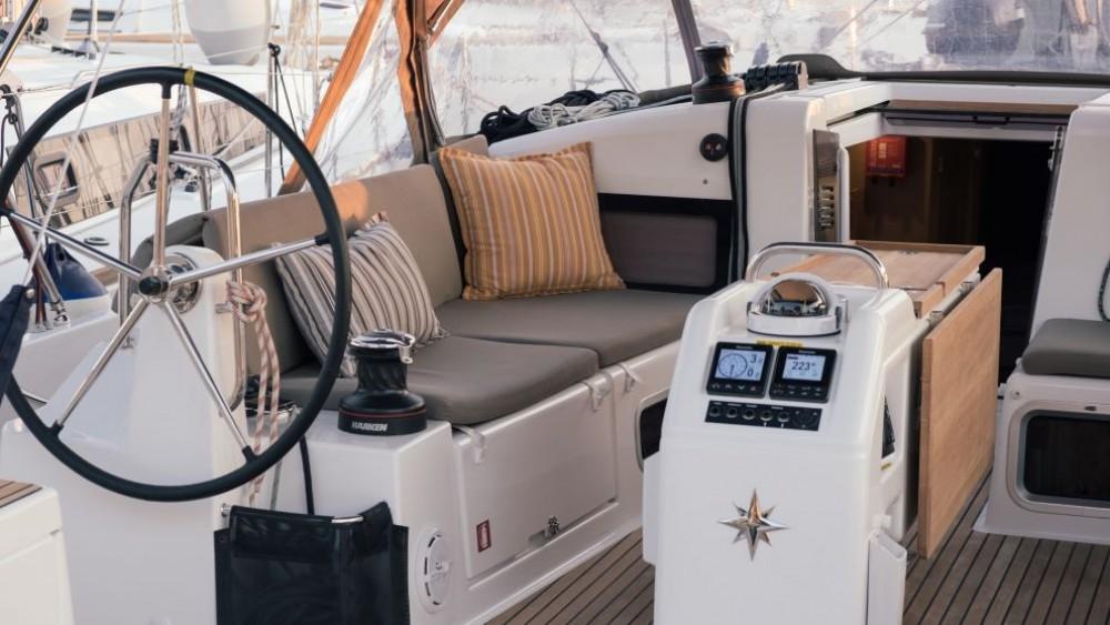 Boat rental Álimos cheap Sun Odyssey 440