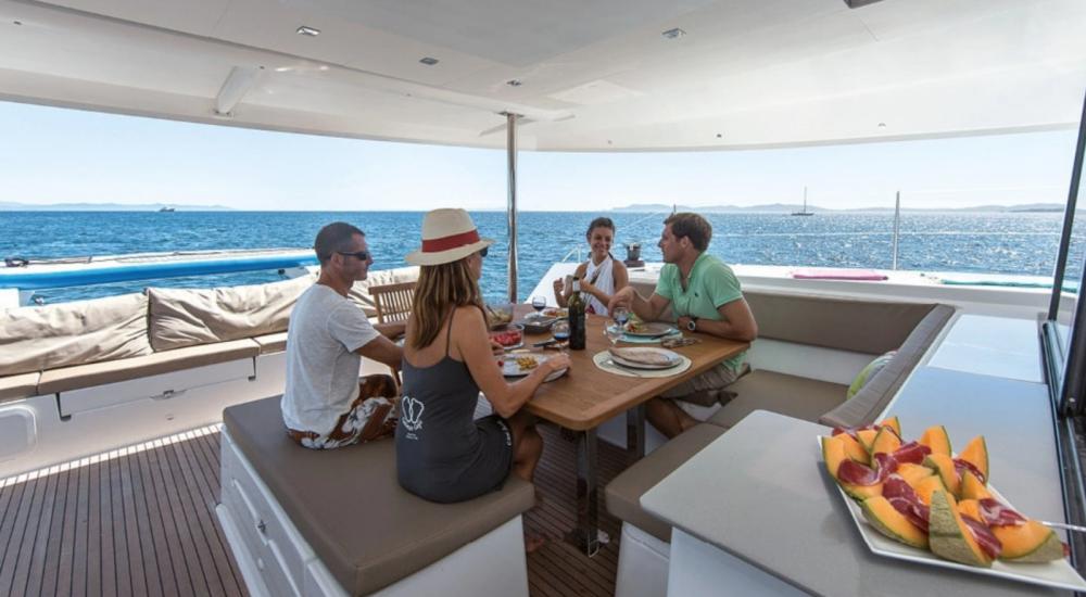 Boat rental La Rochelle cheap Saba 50